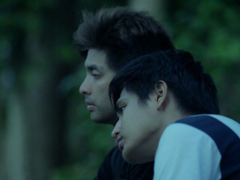 tang on paul's shoulder